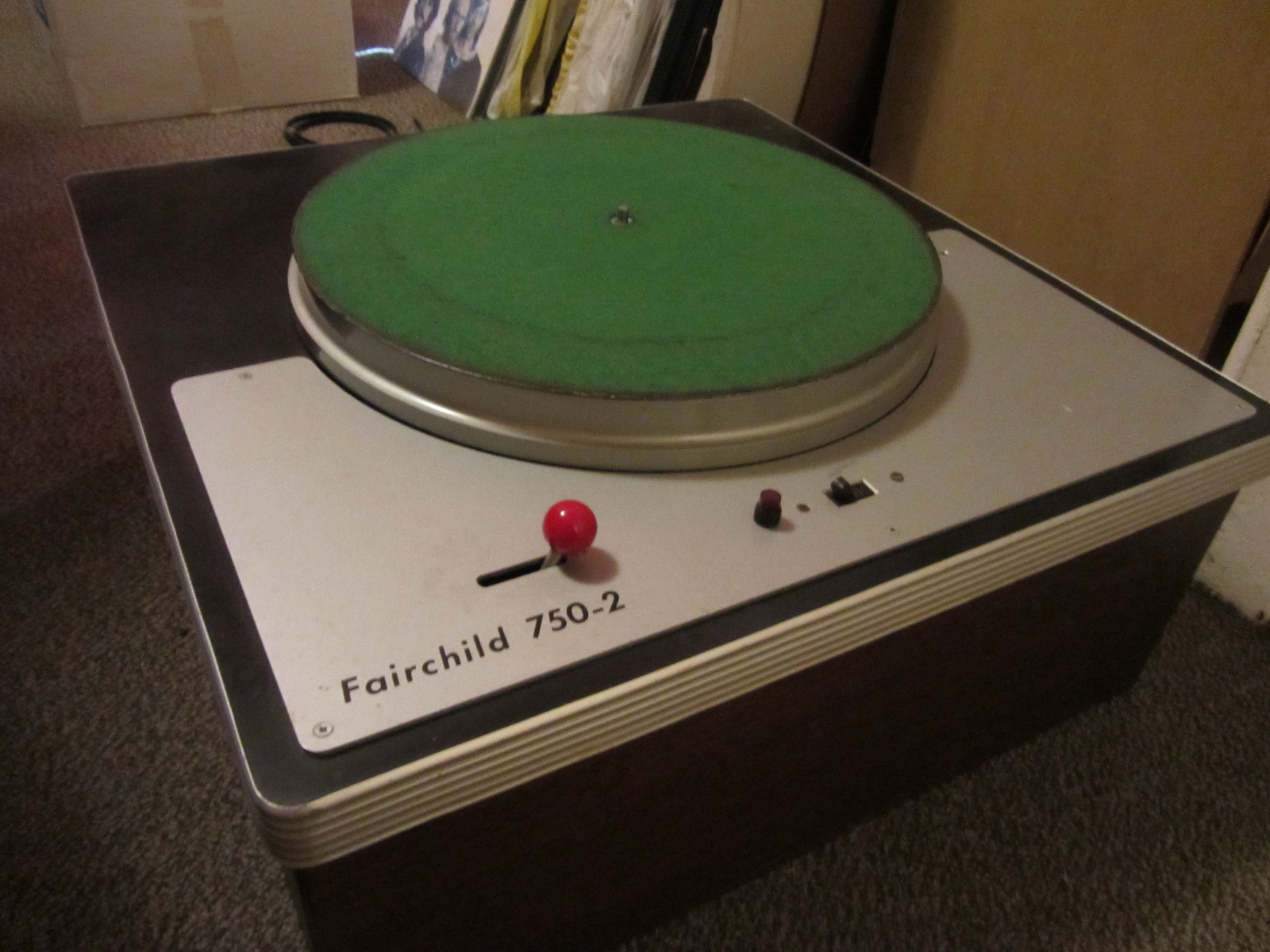 USA. VINTAGE (50,s-80,s) - Página 2 Fairchild-750-2-transcription-turntable-1